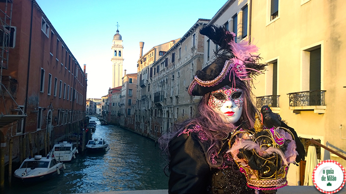Máscaras e fantasias do carneval de Veneza O calendário do evento e