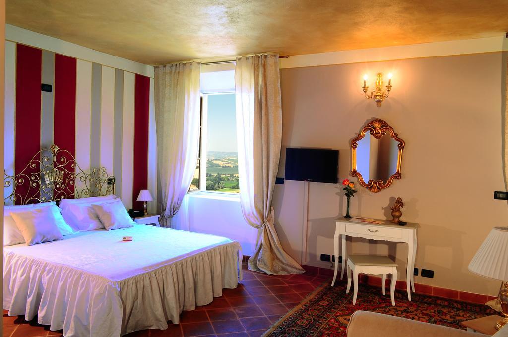 Hotel rural em Asti Itália La Foresteria del Castello Wellness & Spa Asti Italia - O Guia de Milão