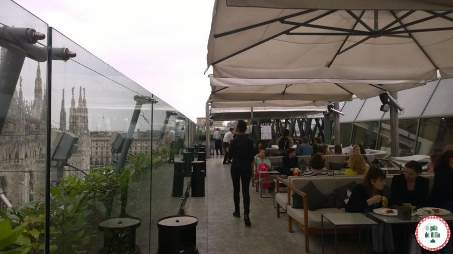 A Terraça da rinascente bar e restaurante no centro de Milão