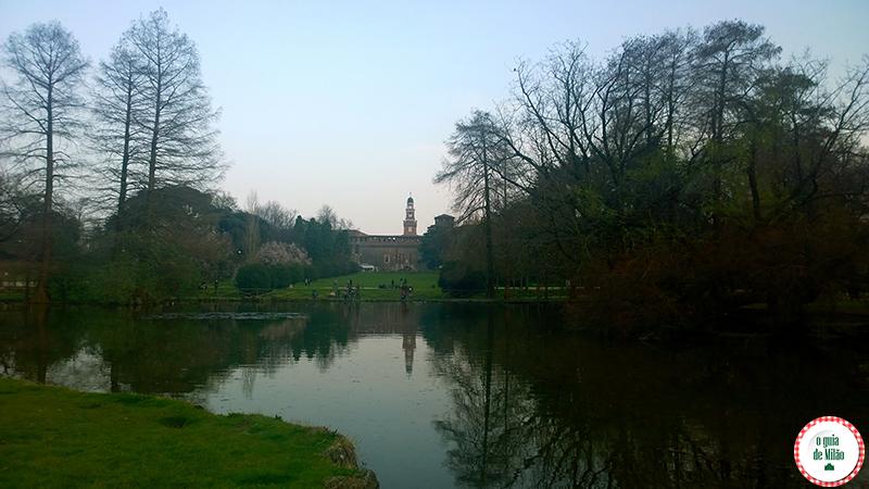 Castelo Sforzesco e o Parque Sempione