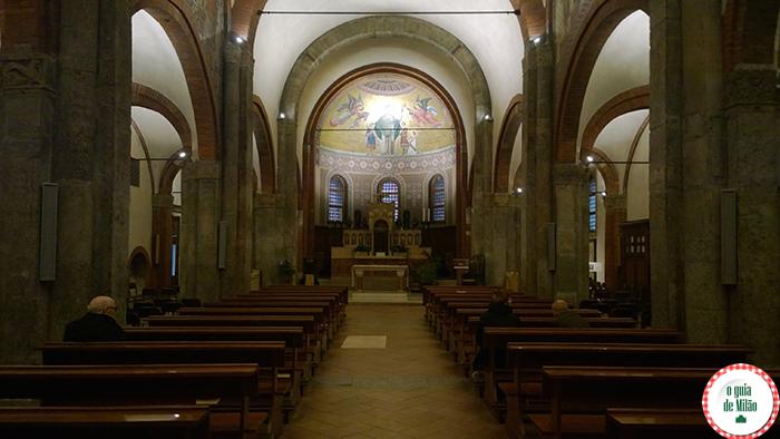 Igrejas na Itália As principais igrejas de Milão - A Igreja de San Babila em Milão 2