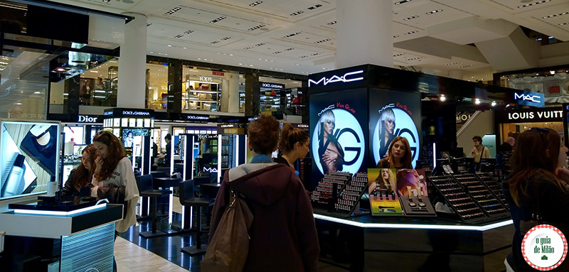 Loja de cosméticos em Milão