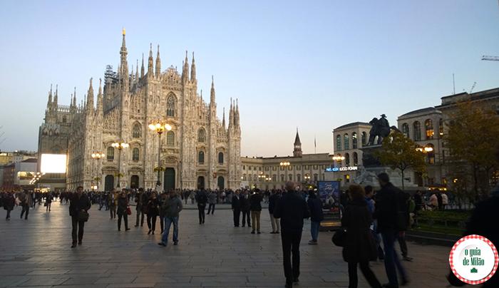 O que fazer em Milão em 2 dias O duomo na praça do Duomo no centro Histórico de Milão