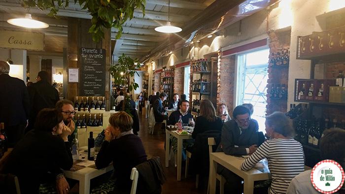 Onde beber vinhos típicos em milão lojas de vinhos Itáliano Signor Vino perto do Duomo