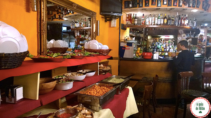 Onde-fazer-aperitivo-em-Milão-La-Ringhiera-4