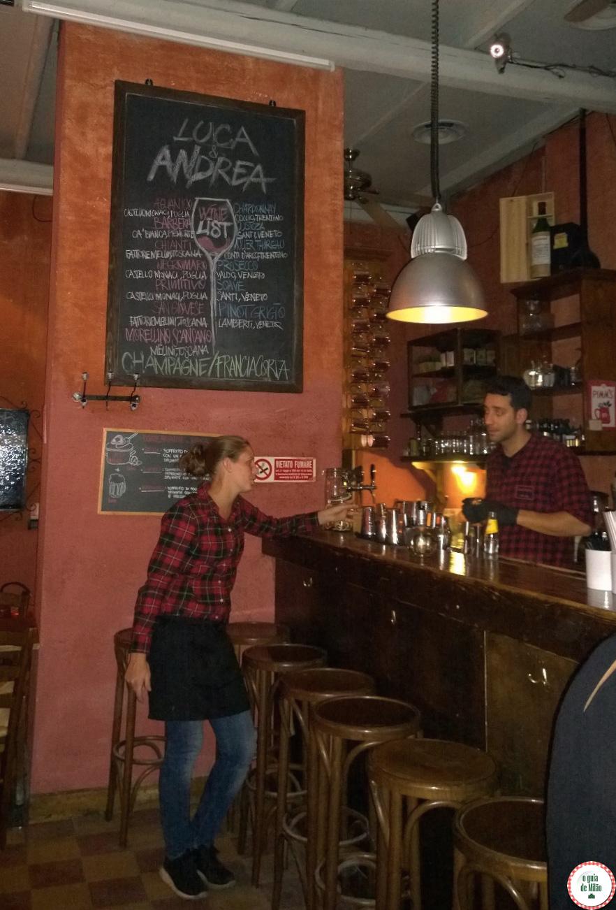Onde fazer aperitivo em Milão Luca & Bar beber e comer