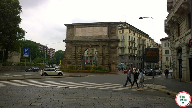 monumentos de Milão a porta Romana