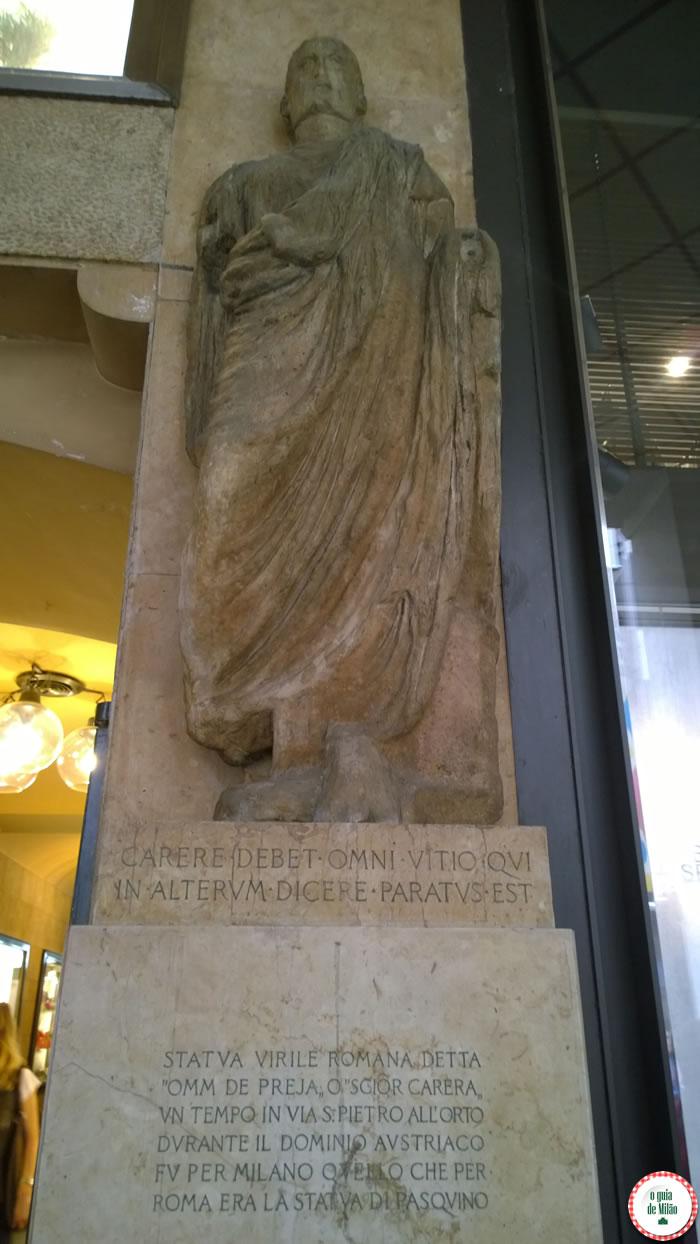 curiosidades de Milão os secretos da estátua Omm de Preja na rua Vittorio Emanuele 13