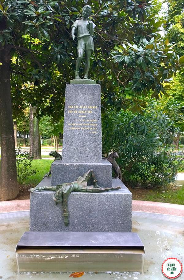 A estátua do Pinóquio em Milão 2