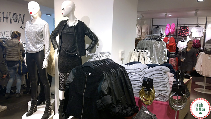 A-loja-H&M-Passeio-de-compra-em-milão-H-&-M-Milão