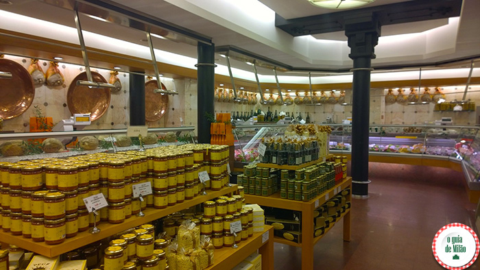 Peck em Milão onde comprar carne vinho queijos presuntos e todos os produtos típicos italianos