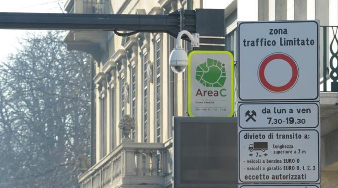 Área C em Milão zona de tráfego limitado