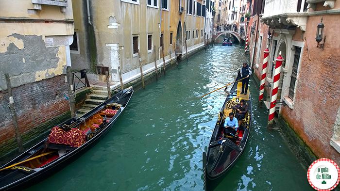 As gôndolas em Veneza