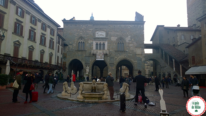 Palácio da razão e o chafariz Contarini