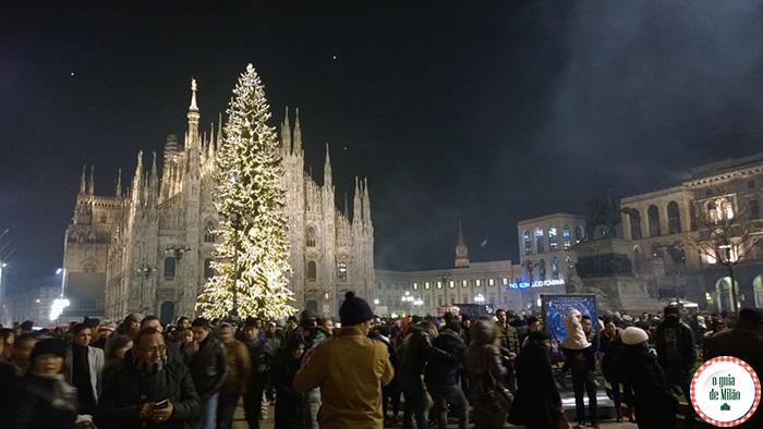 Réveillon na praça Duomo em Milão