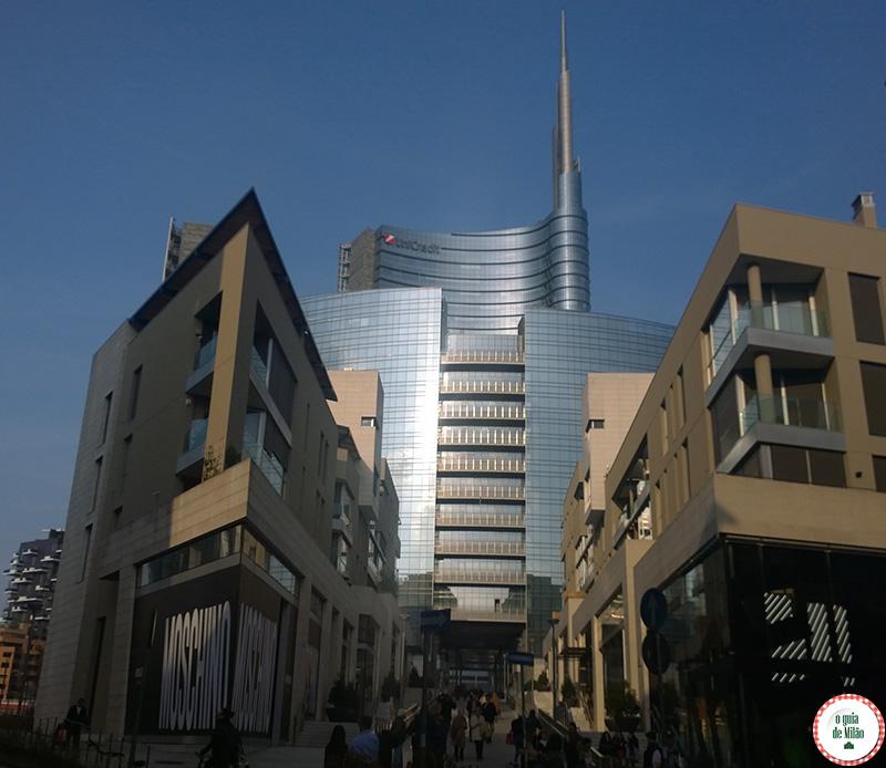 Bairro Isola em Milão vista do prédio mais alto da Itália