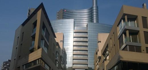 O maior arranha-céu da Itália a Torre Unicredit no Bairro Porta Nuova o bairro mais novo de Milão
