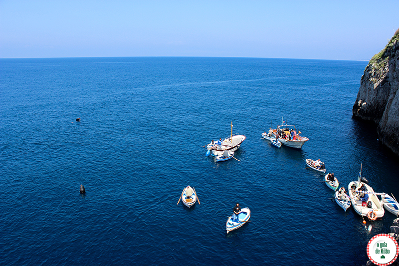 A ilha de Capri a gruta azul