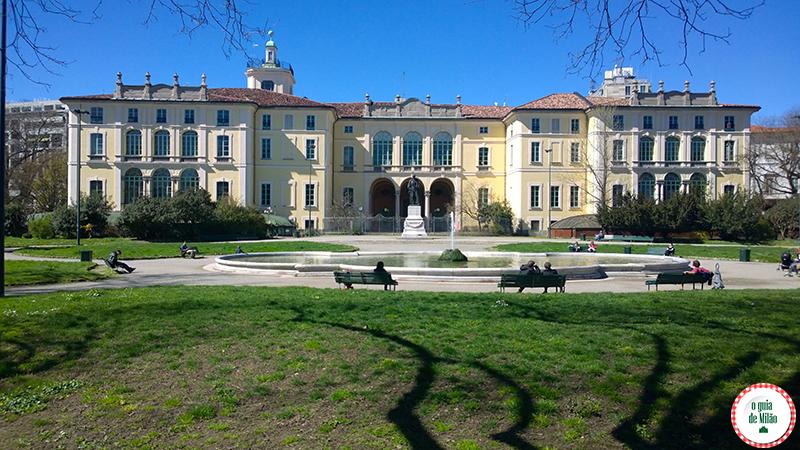 o palácio Dugnani no bairro de Porta Venezia em Milão