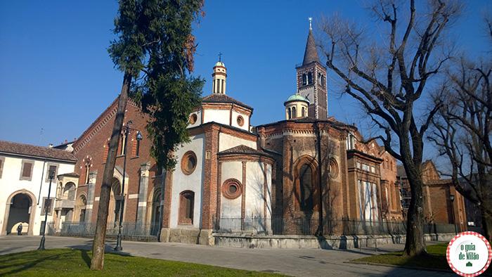Turismo-em-Itália-Pontos-turísticos-de-Milão--a-basílica-de-Sant'Eustorgio