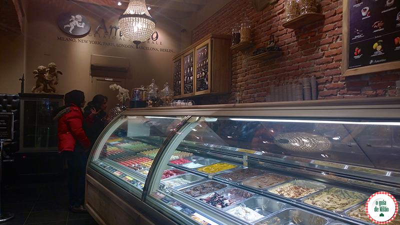 sorveteria em Milão Amorino onde comer o tipico e tradicional sorvete italiano