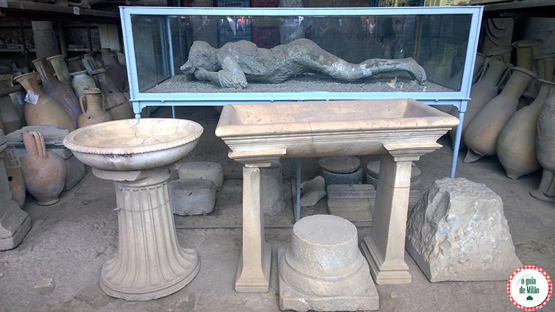 Vítimas terremoto Vesúvio Pompeia Nápoles