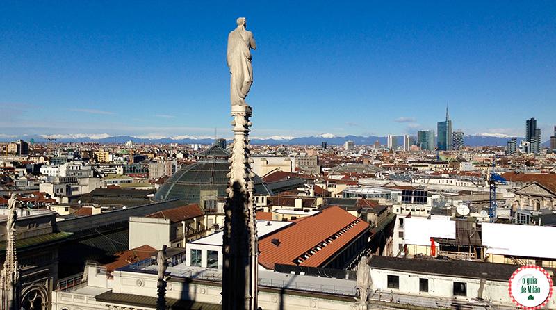 Assistir ao pôr-do-sol no terraço do Duomo