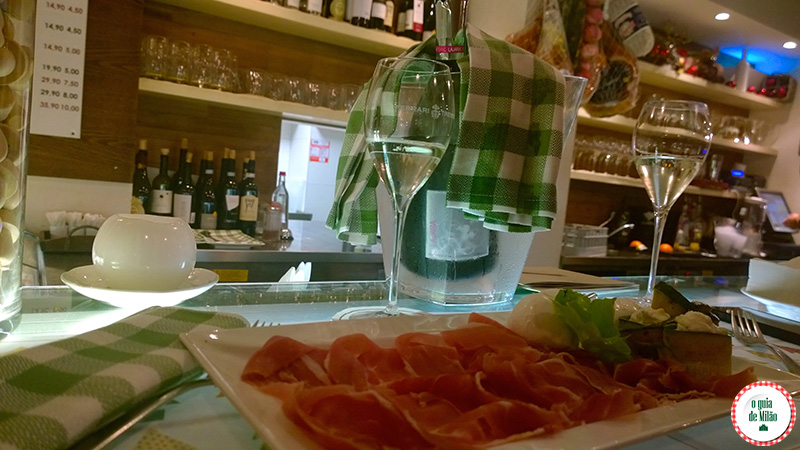 onde beber e comer barato em Milão Signorvino