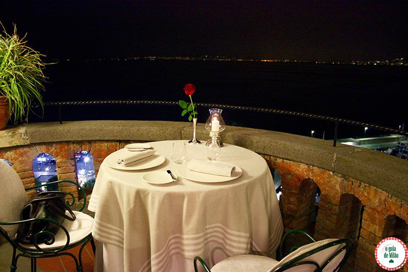 http://www.oguiademilao.com/wp-content/uploads/2015/06/Restaurante-uma-estrela-Michelin-em-Sorrento-na-costa-Sorrentina-Terrazza-Bosquet-2.jpg