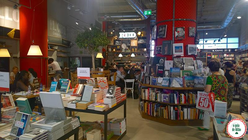 Livrarias em Milão La Feltrinelli Red Milão
