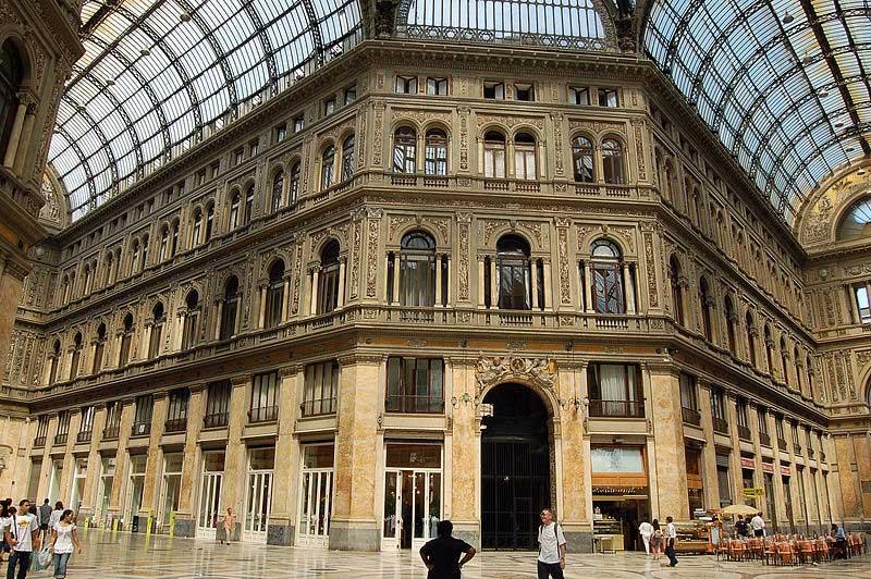 o que fazer em Nápoles Itália a galeria Umberto