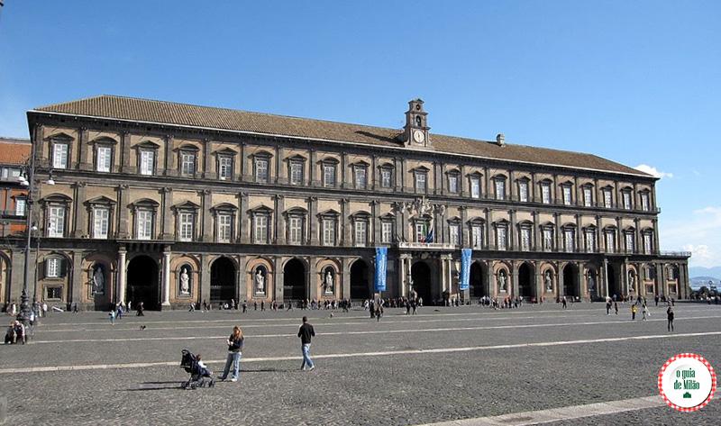 O que fazer em Nápoles Itália Palácio Real de Nápoles