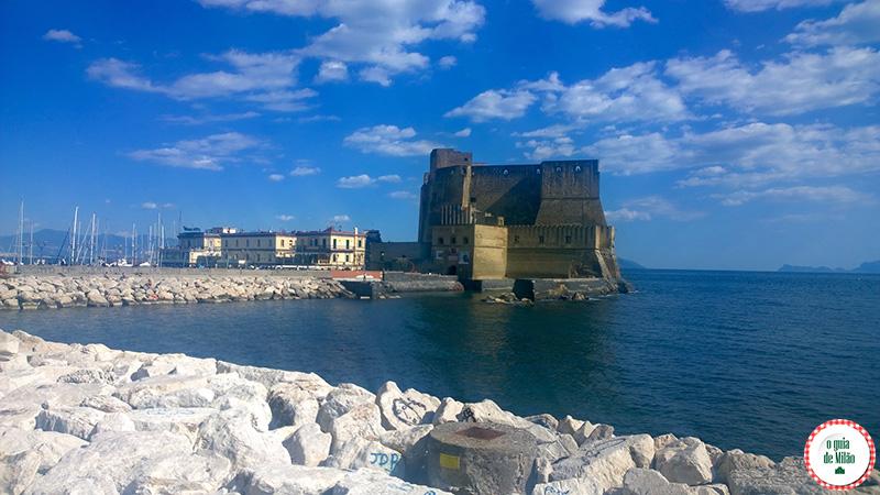 O que fazer em Nápoles na Itália Castelo dell'Ovo