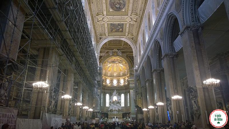 Pontos turísticos Nápoles Itália Duomo de Nápoles
