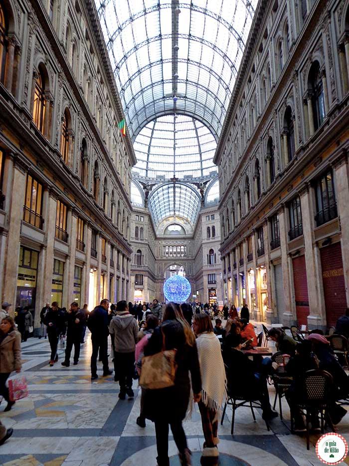 Turismo em Nápoles Itália Galeria Umberto I
