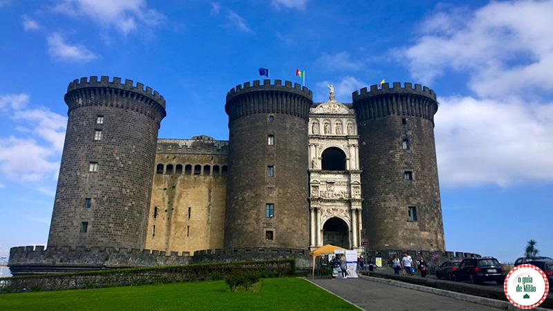 Nápoles Itália Patrimônio UNESCO Castelo Nuovo Maschio Angiolino