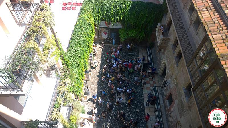 Bate e volta de Milão a Verona na Itália A casa da Julieta em Verona