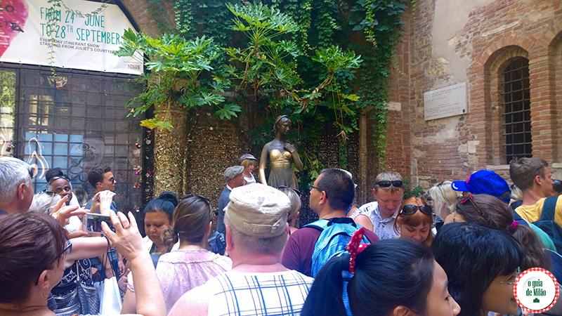 Bate e volta de Milão a Verona a cidade do amor a casa da Julieta em Verona