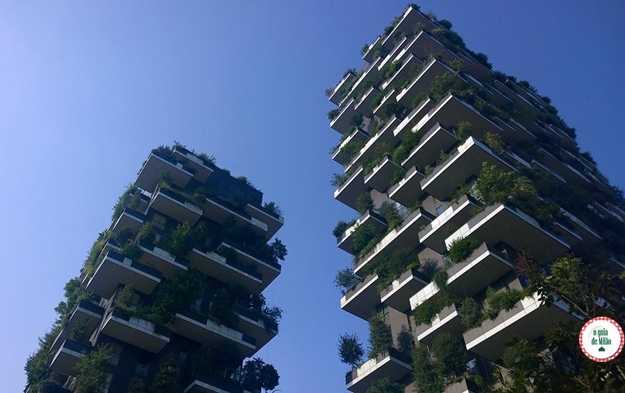 Bairros Milão do Bosque vertical em Milão na Itália