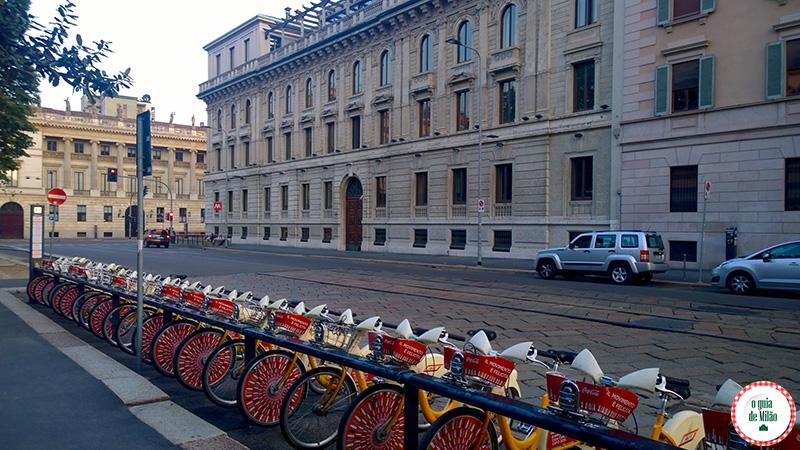 Usar bicicletas para se locomover em Milão Transporte público em Milão
