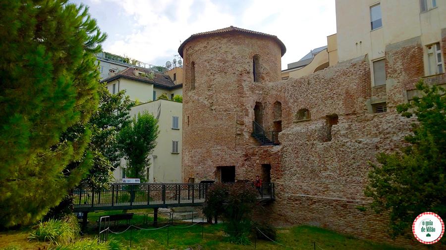 Bairros de Milão o que ver no bairro Magenta de Milão torre de Ansperto