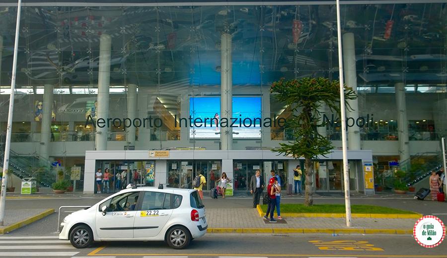 Como ir do aeroporto de Nápoles ao centro de Nápoles Itália Aeroporto Capodichino Nápoles