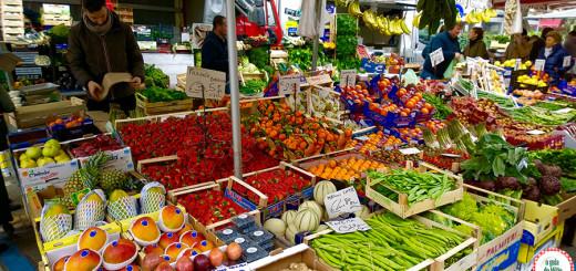 comidas típicas da culinária italiana Feira em Brera Milão