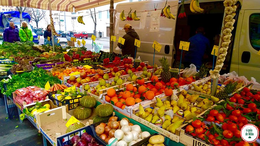 Gastronomia italiana Feira de rua em Milão