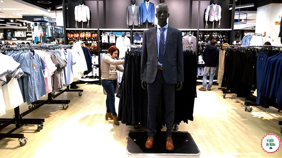 Loja de roupas baratas em Milão Primark