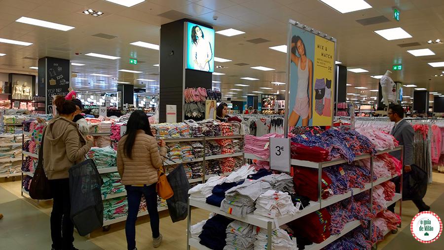 04c127f7c Primark, a loja de roupas mais barata da Europa - O Guia de Milão