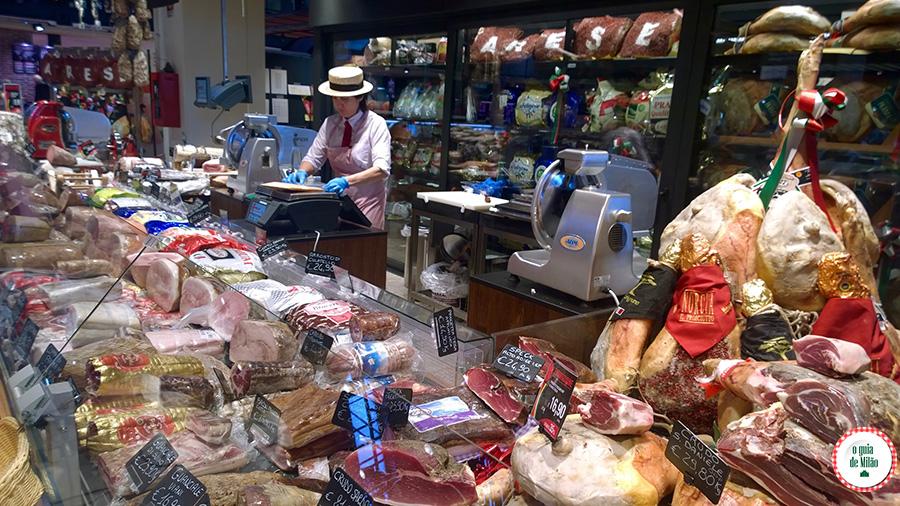 Presuntos salames italianos Comida típica na Itália