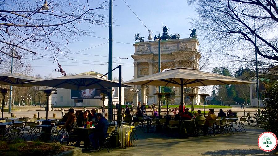 Excursão em ônibus panorâmico pela cidade de Milão Arco da paz