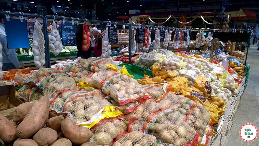 Verduras legumes na Itália Batata doce mandioca na Itália onde comprar em Milão