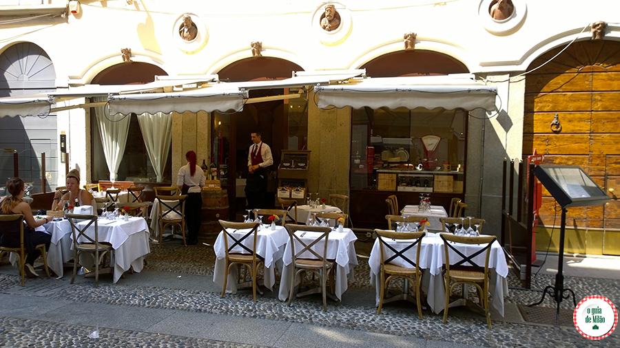 Guia de viagem dos melhores restaurantes de Milão Itália